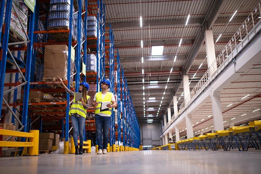 elcción de estanterías industriales para un almacén